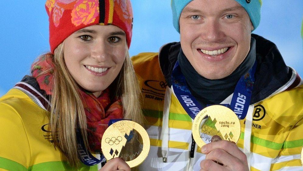 Natalie Geisenberger und Felix Loch erneut erfolgreich - Bildquelle: AFPSIDANDREJ ISAKOVIC