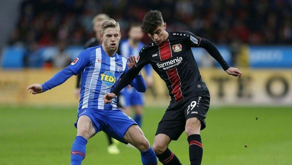 Kai Havertz (r.) soll bei Bayer Leverkusen bleiben - Bildquelle: pixathlonpixathlonSID