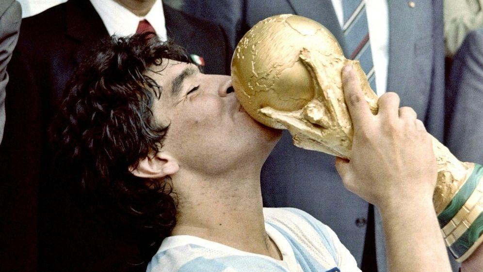Mit Argentinien wurde Maradona 1986 Weltmeister - Bildquelle: AFPSID-