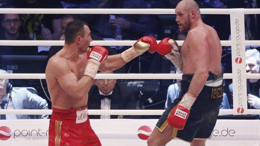 Tyson Fury: Nach seinem Sieg gegen Klitschko begannen die Depressionen. - Bildquelle: imago/Norbert Schmidt