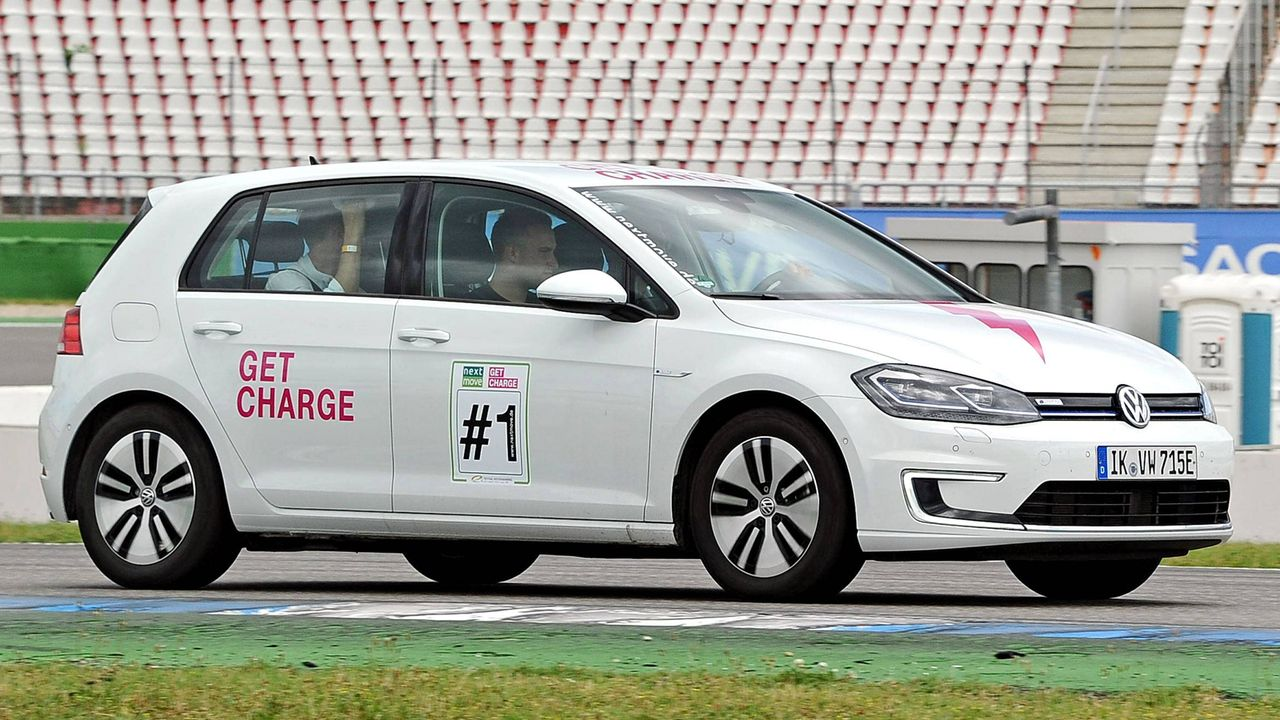 VW Golf VII e-Golf - Bildquelle: imago images / STAR-MEDIA