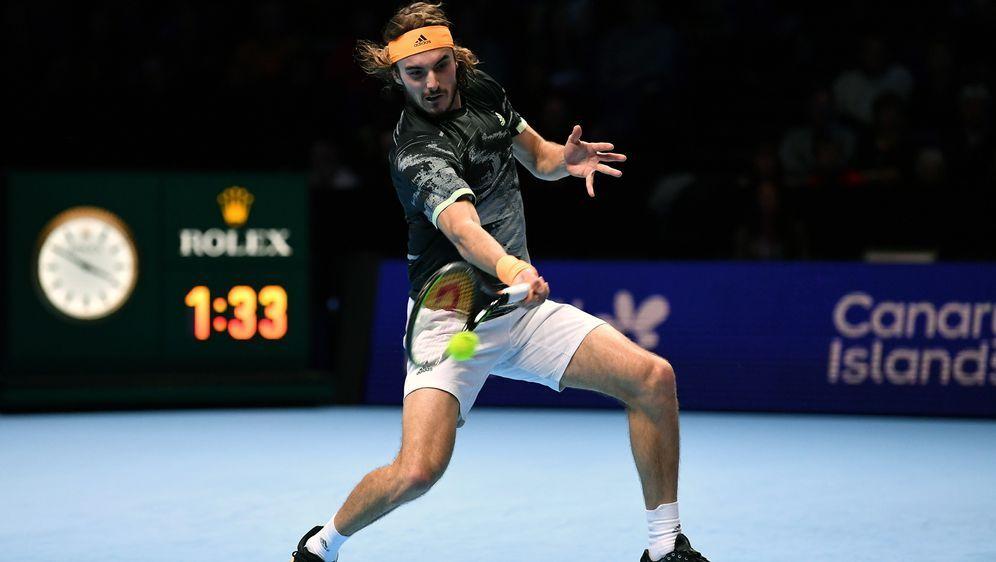 Tsitsipas feiert Erfolg gegen Medwedew bei ATP-Finals - Bildquelle: Getty Images