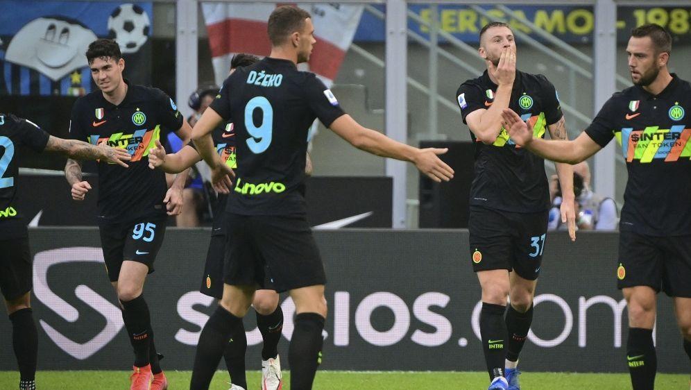 Inter feiert Kantersieg gegen Bologna - Bildquelle: AFPSIDMIGUEL MEDINA