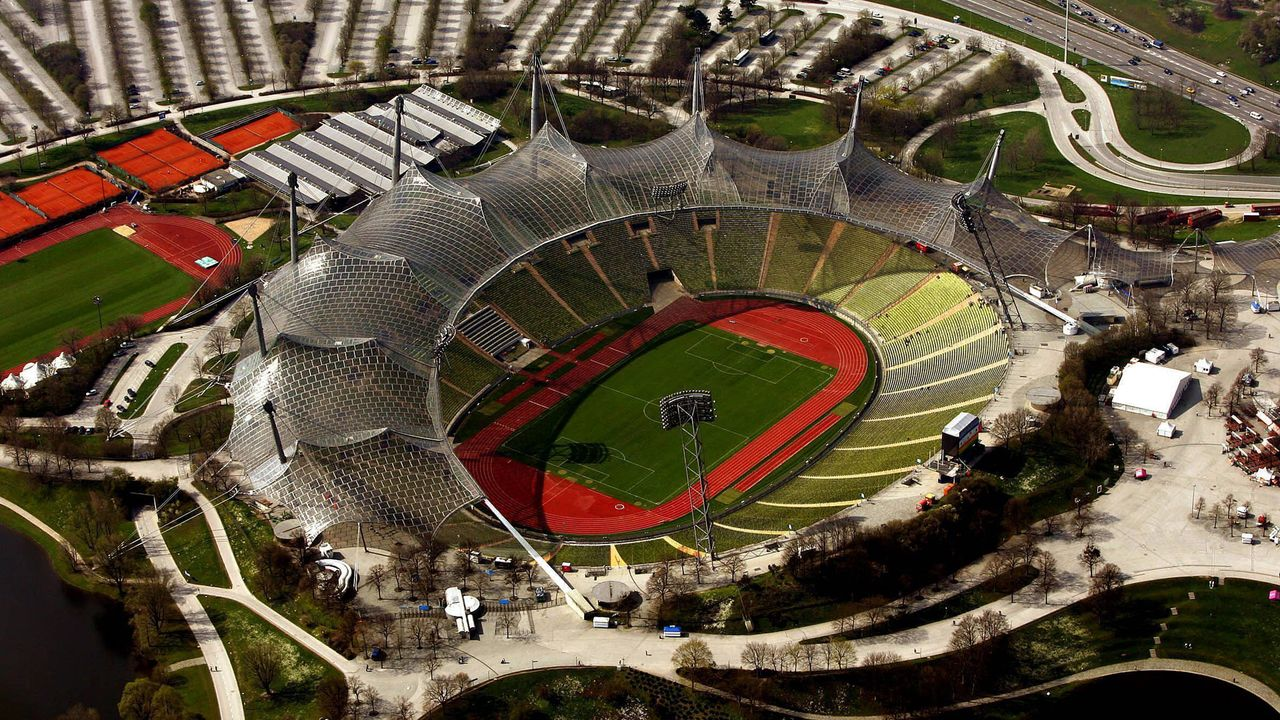 Nach 15 Jahren - Wieder Profifußball im Münchner Olympiastadion?   - Bildquelle: imago images/MIS