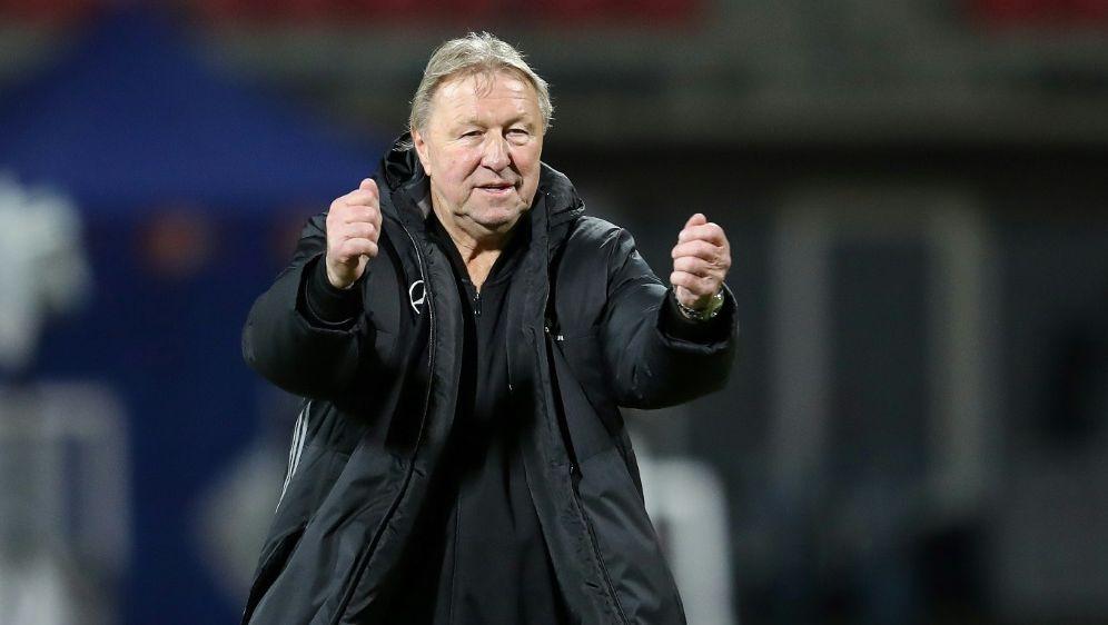Horst Hrubesch traut den DFB-Frauen viel zu - Bildquelle: FIROFIROSID