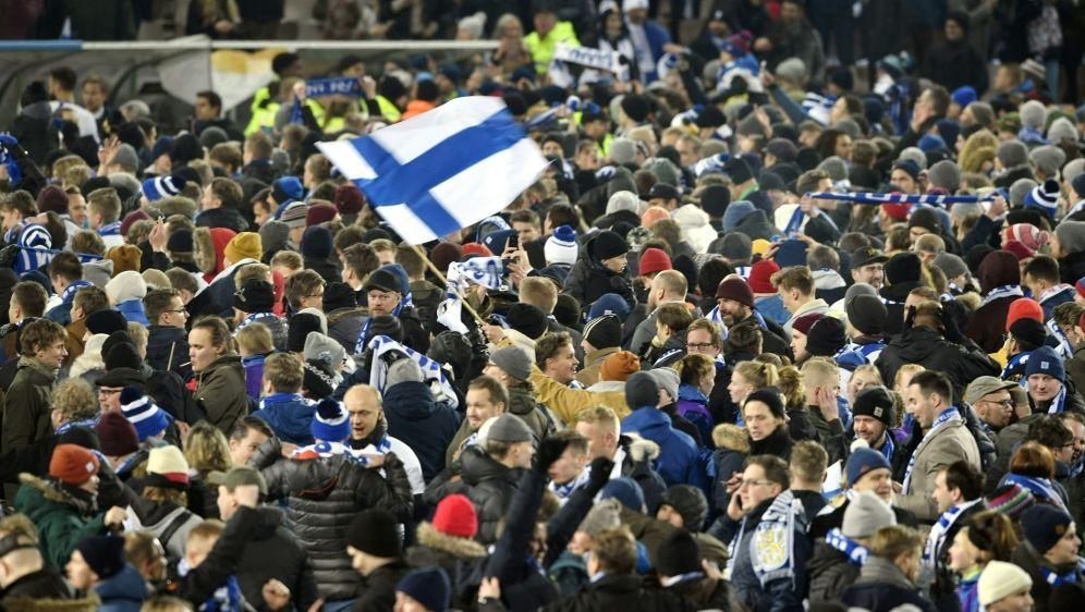 Die Fußballfans sind heiß auf die Euro 2020 - Bildquelle: AFPLehtikuvaSIDMARTTI KAINULAINEN