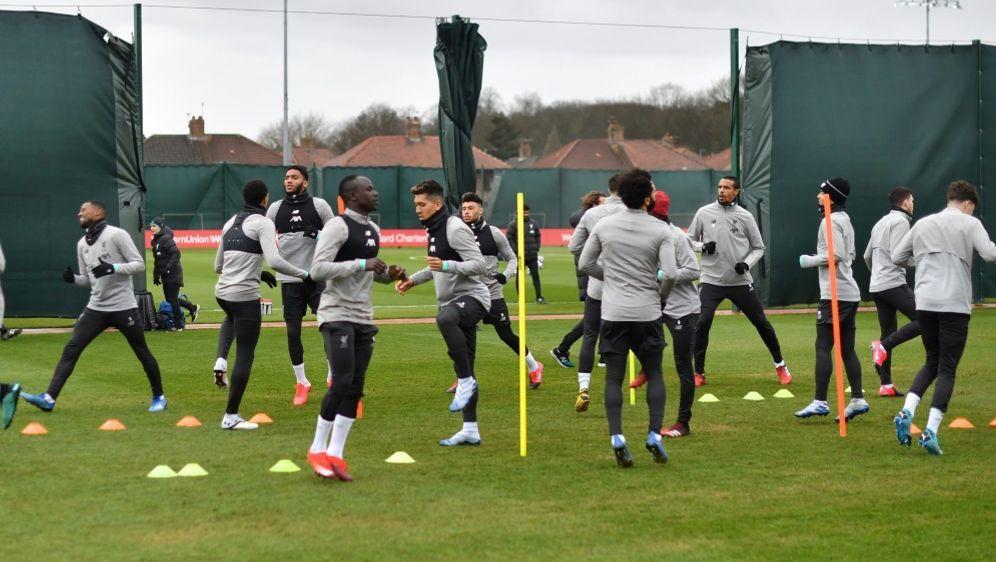 Auch Liverpool befindet sich im Mannschaftstraining - Bildquelle: AFPSIDPAUL ELLIS