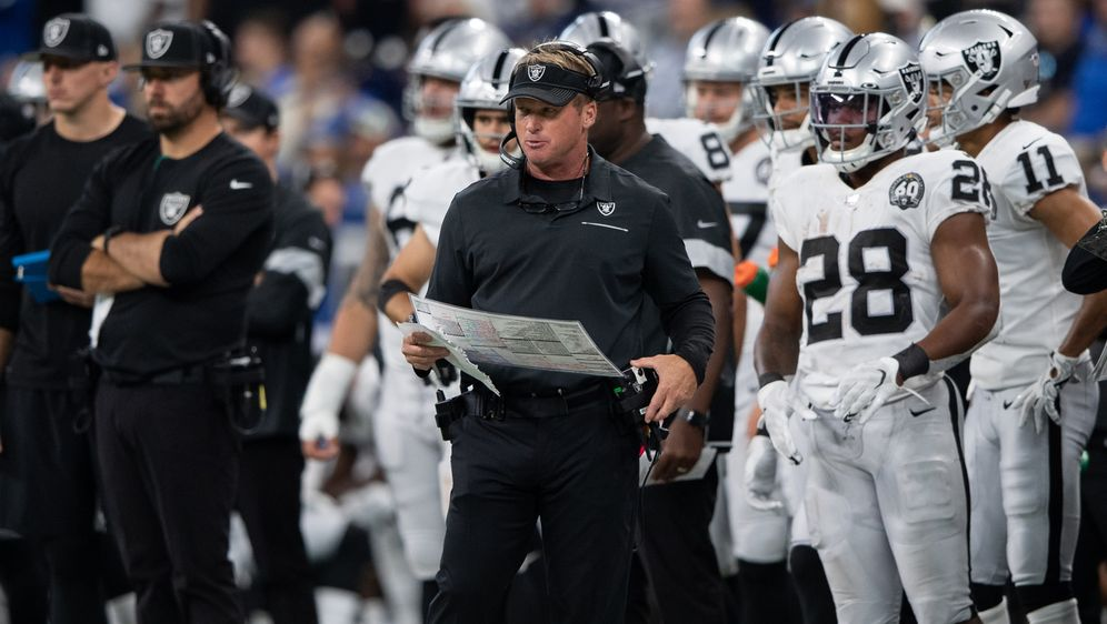 Jon Gruden soll die Raiders spätestens in Las Vegas zu einem Titelanwärter m... - Bildquelle: imago images/Icon SMI