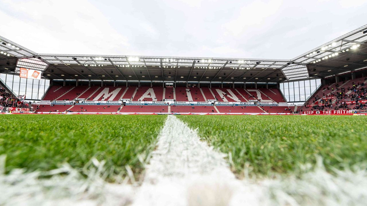 1. FSV Mainz 05 - Bildquelle: imago images/Jan Huebner