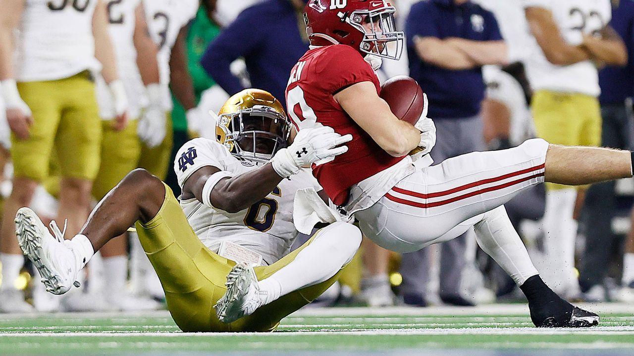 19. Pick: Washington Football Team - Jeremiah Owusu-Koramoah (Linebacker) - Bildquelle: 2021 Getty Images