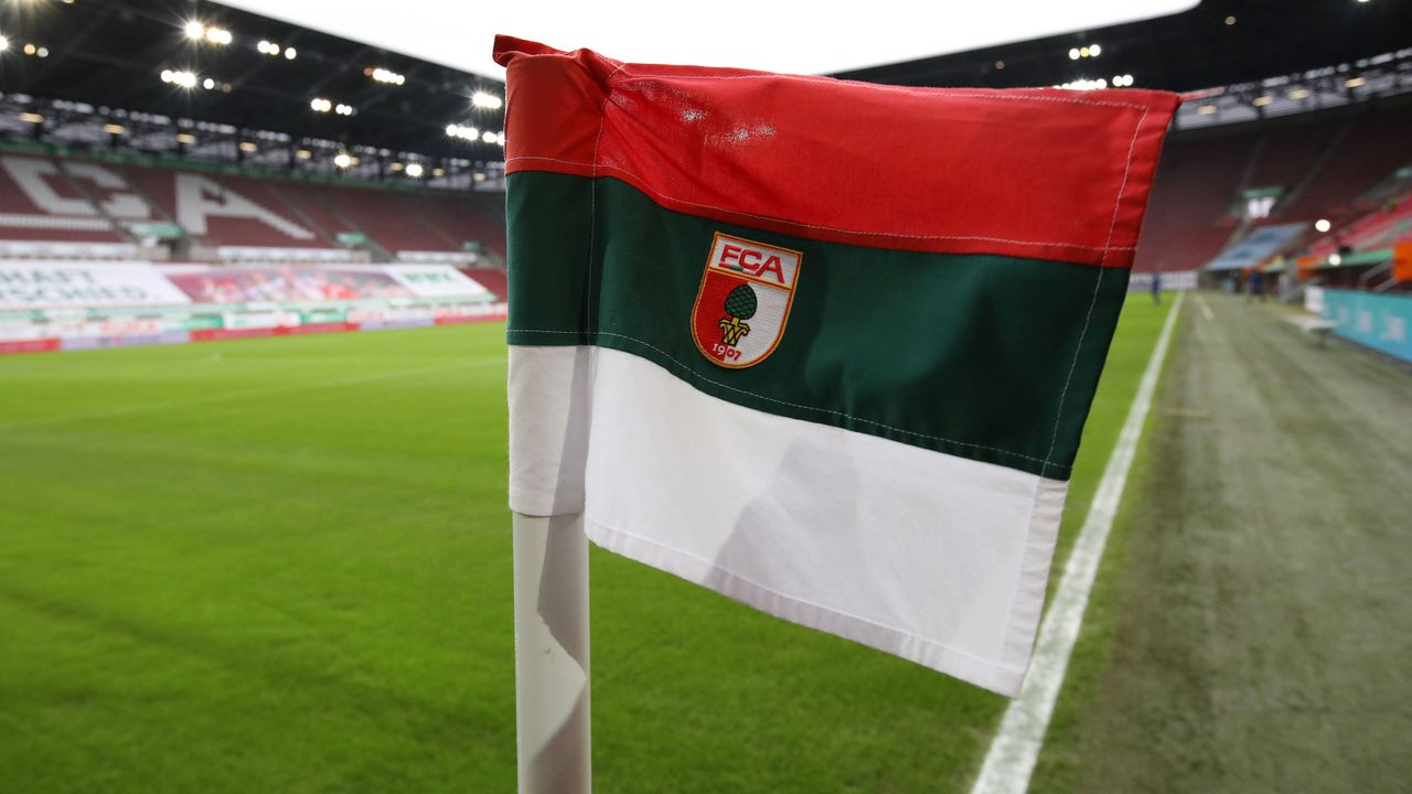 Platz 16: FC Augsburg - Bildquelle: SVEN SIMON/Ellerbrake/firo Sportphoto/Pool