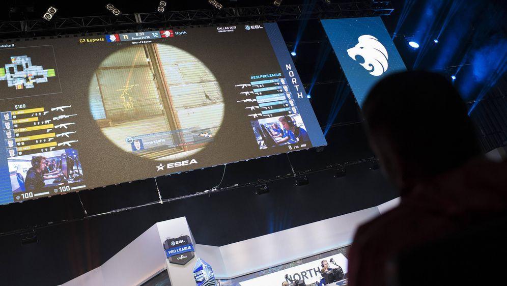 eSports-Fans aufgepasst! ProSiebenMAXX zeigt am 23. März ab 22 Uhr live und ... - Bildquelle: imago