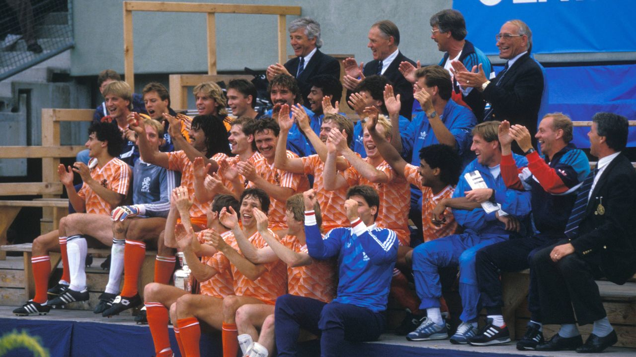 Holland wird Europameister - Bildquelle: Imago