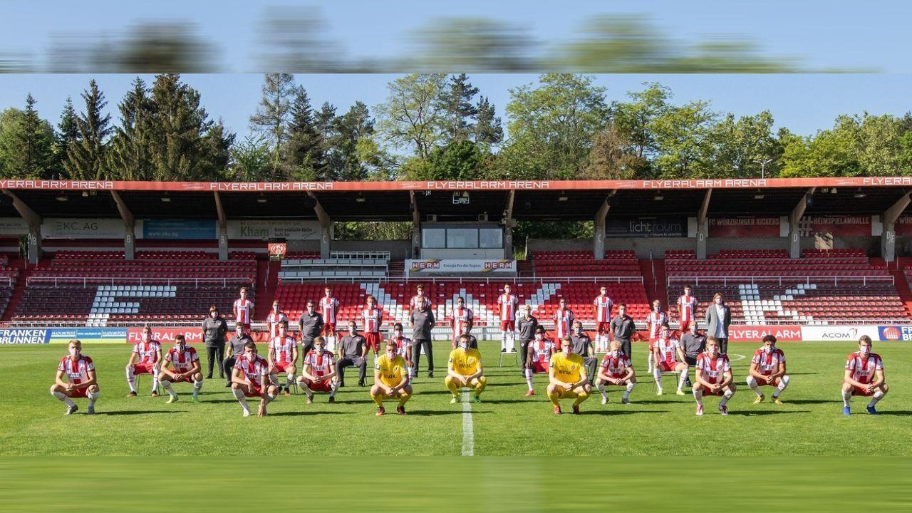 Drittligist Würzburger Kickers mit kuriosem Corona-Mannschaftsbild - Bildquelle: twitter@fwk_1907