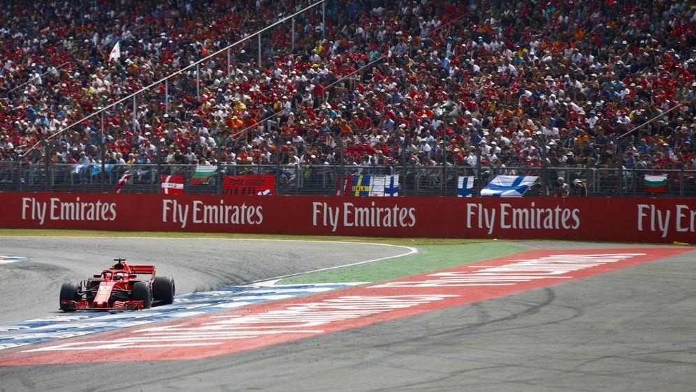 In einem neuen Kalenderentwurf rückt Silverstone mit zwei Rennen in den Augu... - Bildquelle: LAT