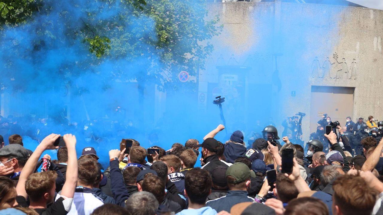 München ist an diesem Tag blau - Bildquelle: getty