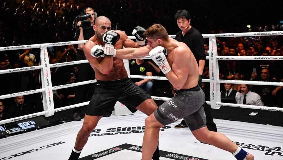 Rico Verhoeven (re.) gewann auch den Rückkampf gegen Badr Hari (li.) - Bildquelle: Glory Sports International