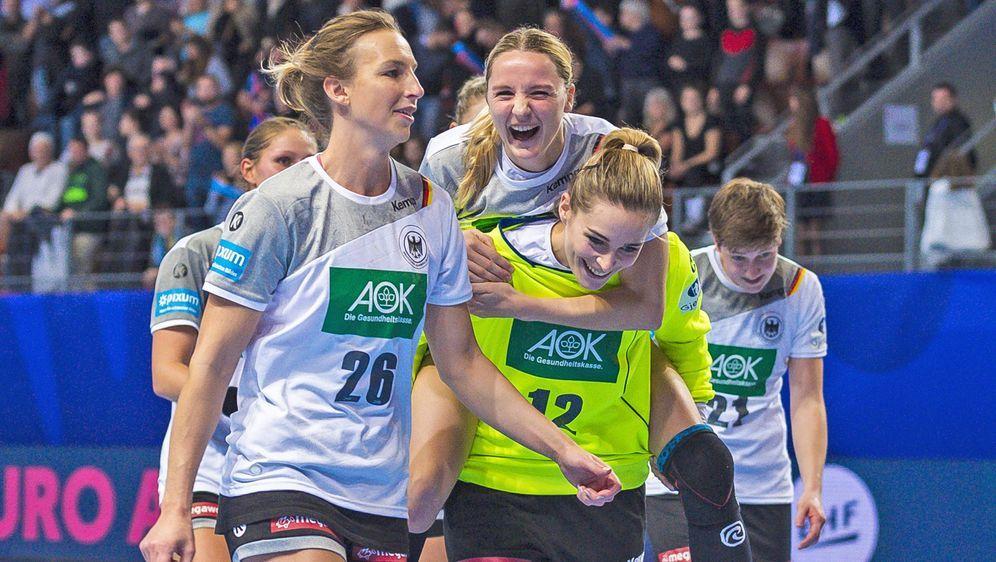 Alle Spiele der deutschen Frauen-Nationalmannschaft bei der Handball-Europam... - Bildquelle: Imago