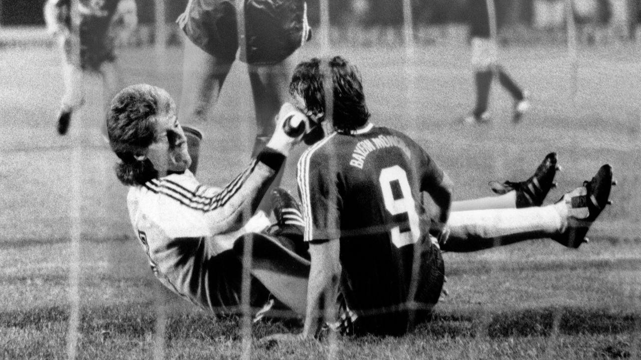 Uli Stein (Hamburger SV, zehn Wochen Sperre) - Bildquelle: imago/Frinke