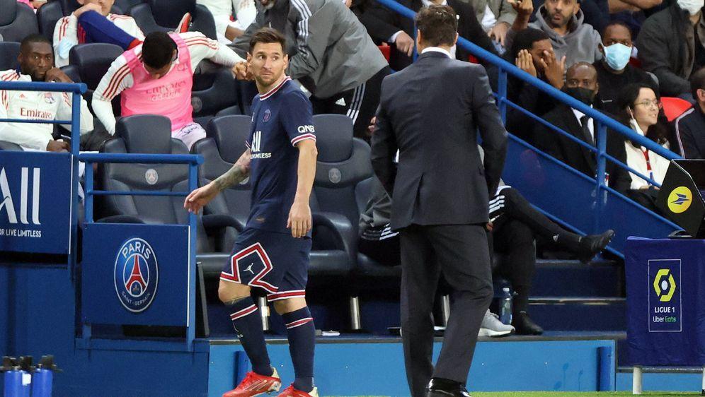 Noch nicht auf einer Wellenlänge: Lionel Messi (li.) und Mauricio Pochettino... - Bildquelle: Imago