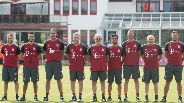 Das Team hinter Ancelotti - Bildquelle: 2016 Getty Images