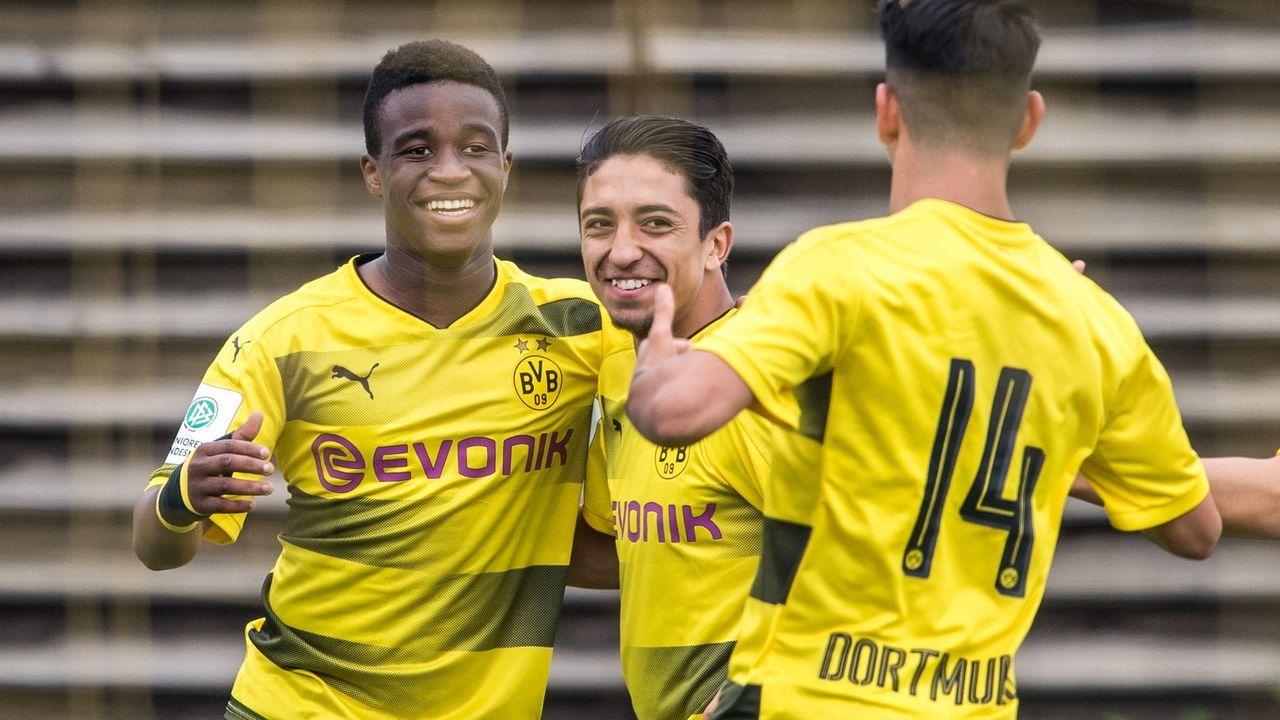 Youssoufa Moukoko gibt DFB-Comeback: Seine Mega-Zahlen der Saison - Bildquelle: 2017 Getty Images