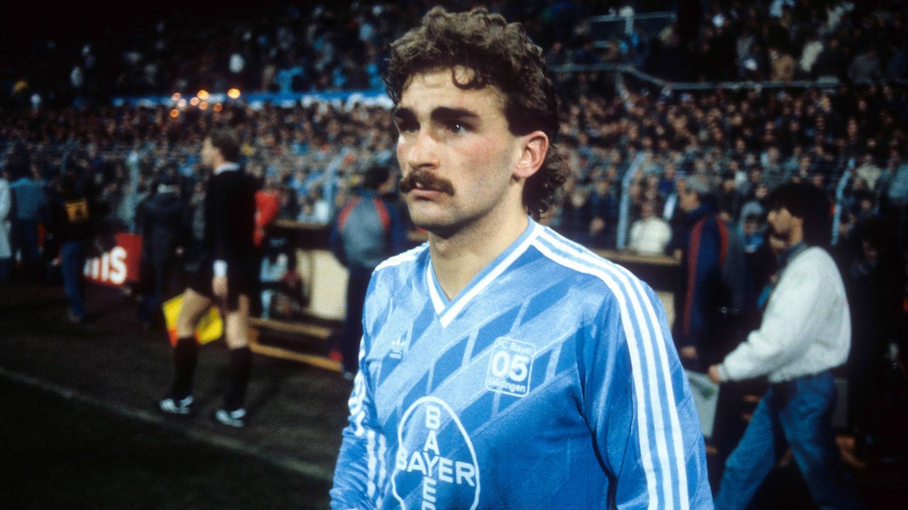 Bayer 05 Uerdingen (1986 - 1989) - Bildquelle: imago images/Kicker/Liedel