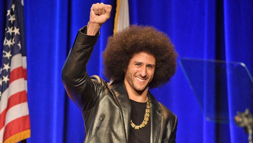 Die Chance auf das Comeback? Die NFL ermöglicht Colin Kaepernick ein private... - Bildquelle: Getty