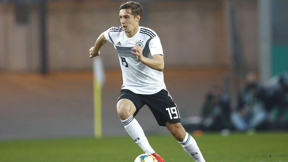 Freut sich mit der deutschen U21-Nationalmannschaft auf ein interessantes Sp... - Bildquelle: imago images / Joachim Sielski