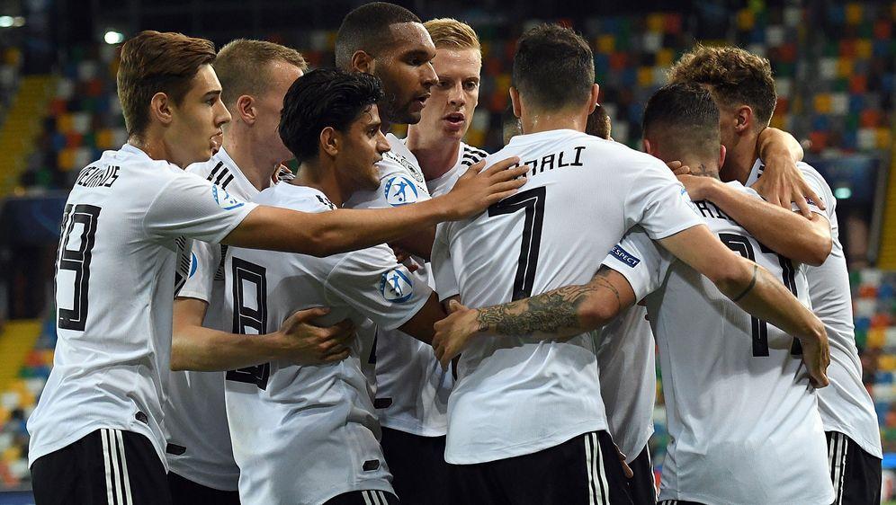 Einstimmen auf das Finale: Die deutsche U21-Auswahl spielt gegen Spanien um ... - Bildquelle: Getty Images