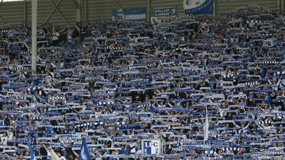 Der 1. FC Magdeburg möchte erste Punktspiele verlegen - Bildquelle: FIROFIROSID
