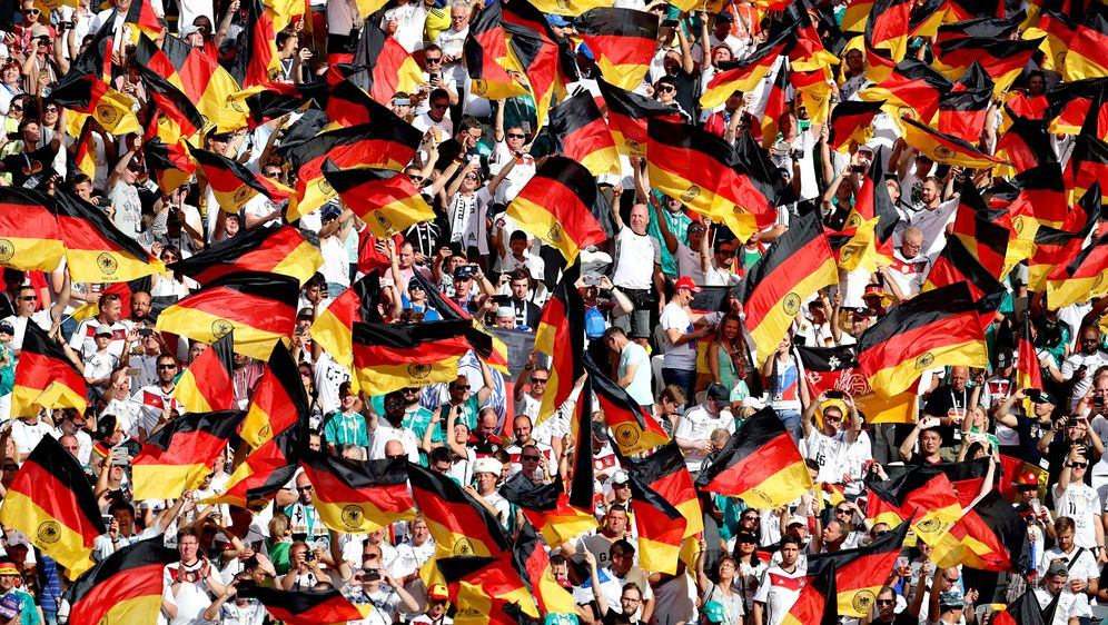 Werden Länderspiele wieder stimmungsvoller? DFB-Präsident Fritz Keller wünsc... - Bildquelle: 2018 Getty Images