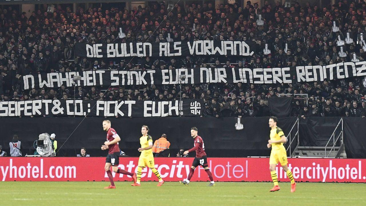 Nürnberger Fans protestieren gegen DFB - Bildquelle: imago/Zink