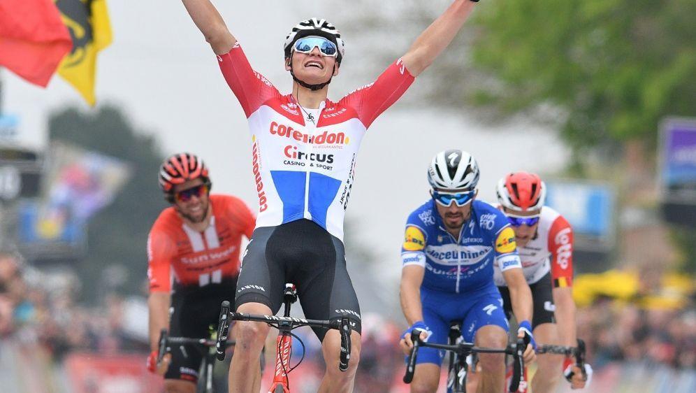 Mathieu van der Poel fuhr seinen zweiten Sieg ein - Bildquelle: AFPSIDDAVID STOCKMAN
