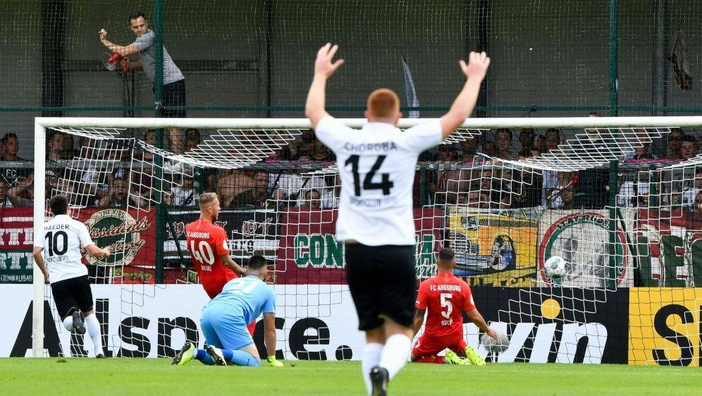 Nach Augsburg bezwang der SC Verl auch Holstein Kiel - Bildquelle: PIXATHLONPIXATHLONSID
