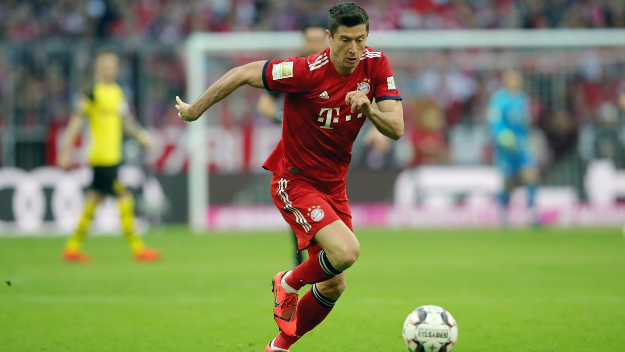Platz 6 - Robert Lewandowski (FC Bayern München) - Bildquelle: 2019 Getty Images