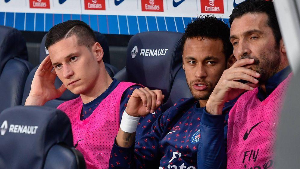 Die Chemie zwischen Neymar und Julian Draxler könnte offenbar besser sein - Bildquelle: imago images / ZUMA Press