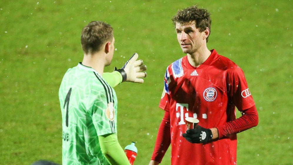 Thomas Müller (r.) nach dem Pokal-Aus in Kiel - Bildquelle: FIROFIROSID