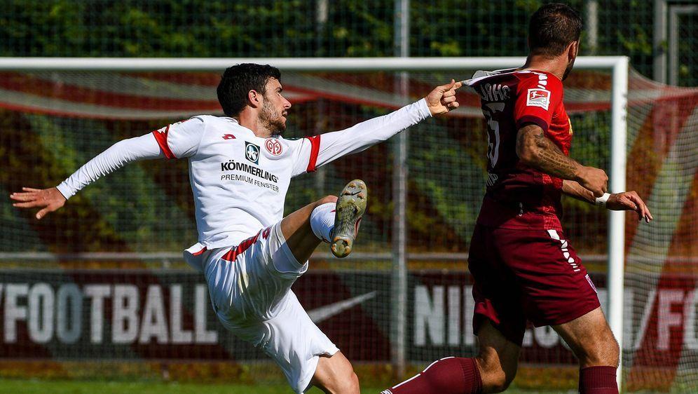 Mainz verlor im Test gegen den Zweitligisten Jahn Regensburg - Bildquelle: Imago