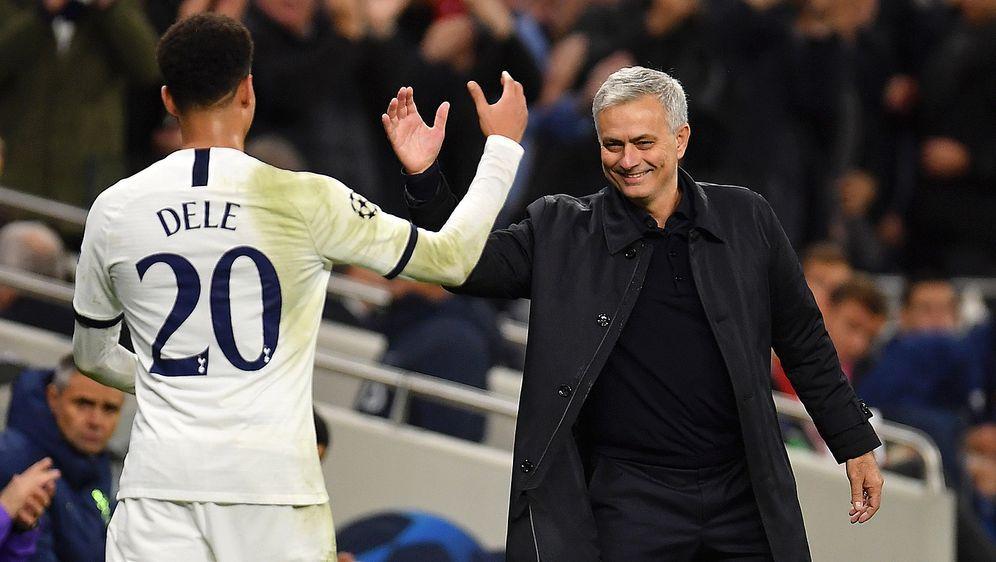 Dele Alli (l.) blüht unter seinem neuen Trainer Jose Mourinho weiter auf - Bildquelle: 2019 Getty Images