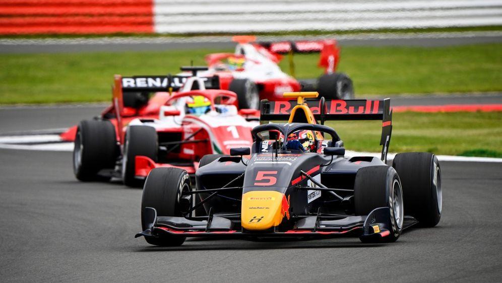 Liam Lawson gewann ein spektakuläres Formel-3-Rennen. - Bildquelle: Motorsport Images