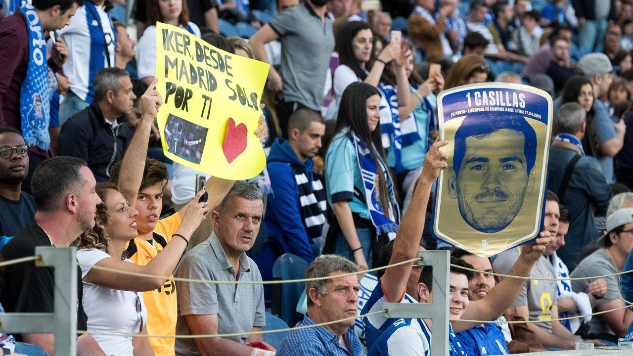 Nach Herzinfarkt: Porto solidarisiert sich mit Keeper Iker Casillas - Bildquelle: imago images / GlobalImagens