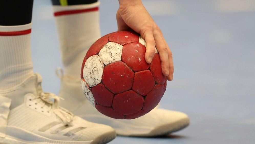 Magdeburger Handballer gewinnen gegen Alingas HK - Bildquelle: FIROFIROSID