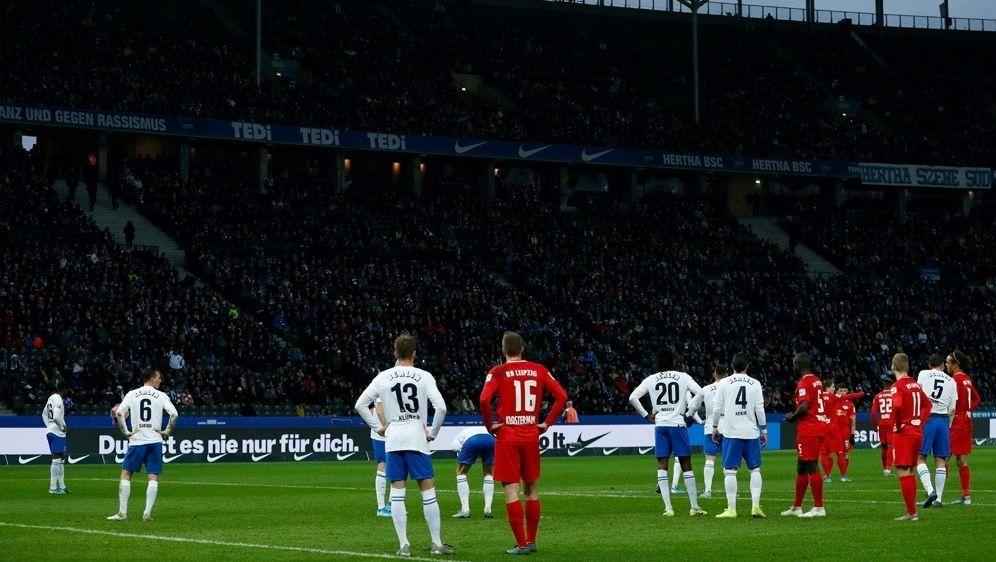Analyse: VAR greift in der Bundesliga immer häufiger ein - Bildquelle: AFPSIDODD ANDERSEN