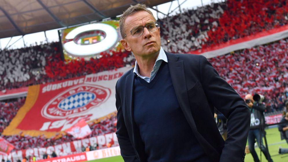 Teile der FCB-Mannschaft waren gegen Ralf Rangnick als neuen Trainer - Bildquelle: imago images/Sven Simon