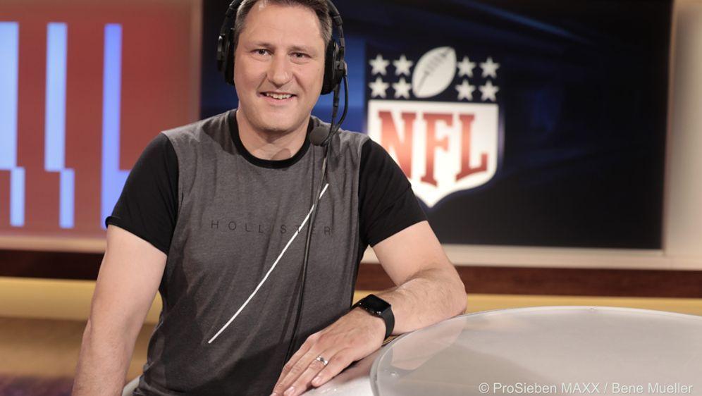 Roman Motzkus gibt seine Prognose für die NFL-Saison 2017 ab - Bildquelle: ProSieben MAXX / Bene Mueller
