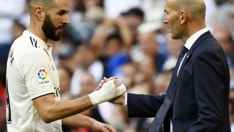 Zidane (r.) hat zum Trainer-Comeback einen Sieg gefeiert - Bildquelle: AFPSIDGABRIEL BOUYS