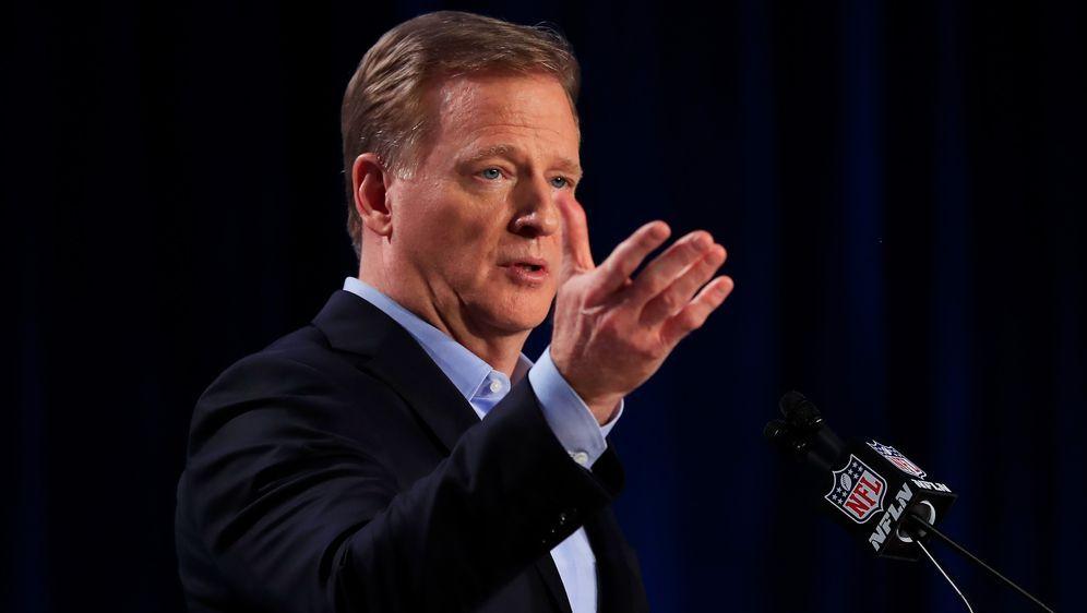 Plant NFL-Commissioner Roger Goodell eine erneute Erweiterung des Spielplans... - Bildquelle: 2020 Getty Images
