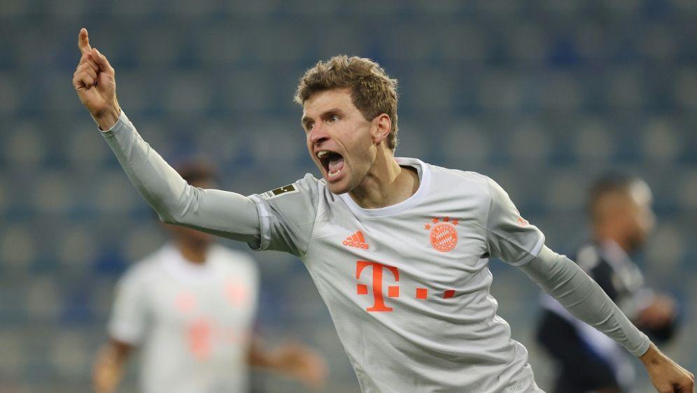Thomas Müller spielt auf der Position von Serge Gnabry - Bildquelle: FIROFIROSID