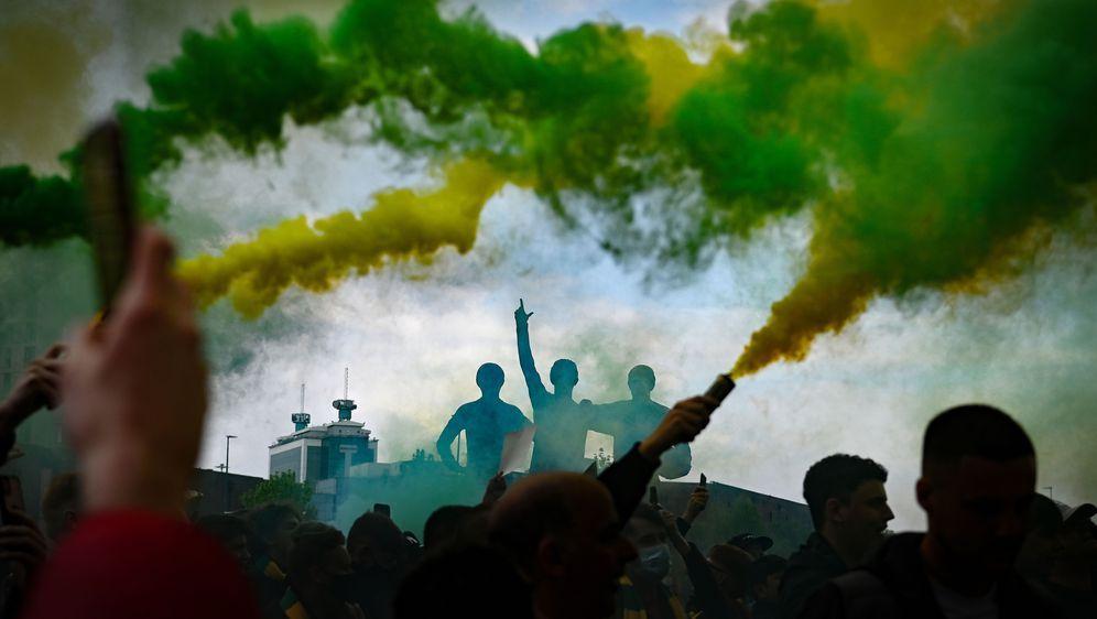 Die Proteste gegen die United Eigentümer dauern weiter an. - Bildquelle:  Getty Images Europe